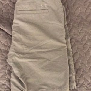 Under armour men 32 golf shorts gray
